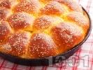 Рецепта Сладка питка (погача) за бебе със сусам (с мая)